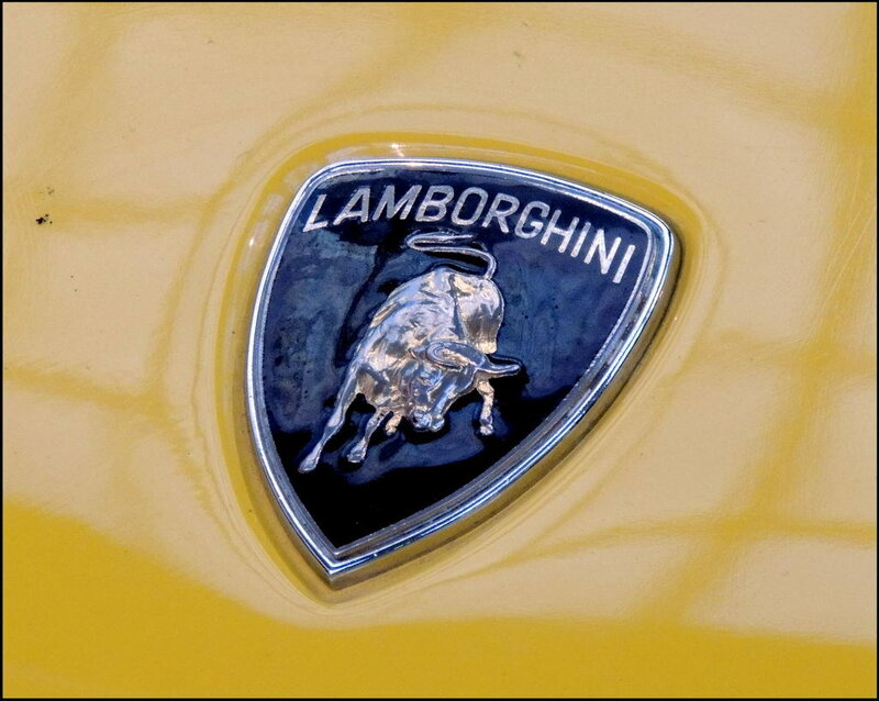 Autoworld 8378 Lamborghini Countach 1974-90