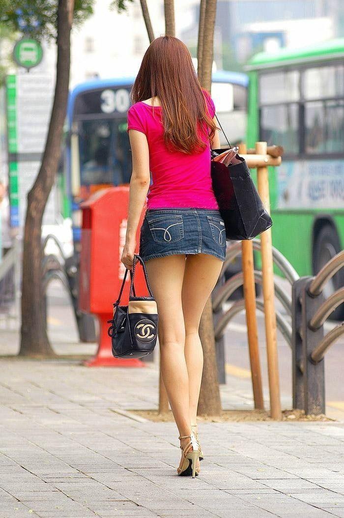 улице девушки попки на