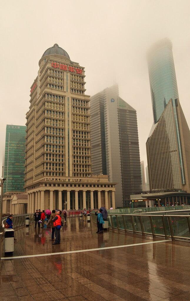 12. Отчет о поездке по Китаю самостоятельно. Шанхайские высотки напротив телебашни Жемчужина Востока (Oriental Pearl)