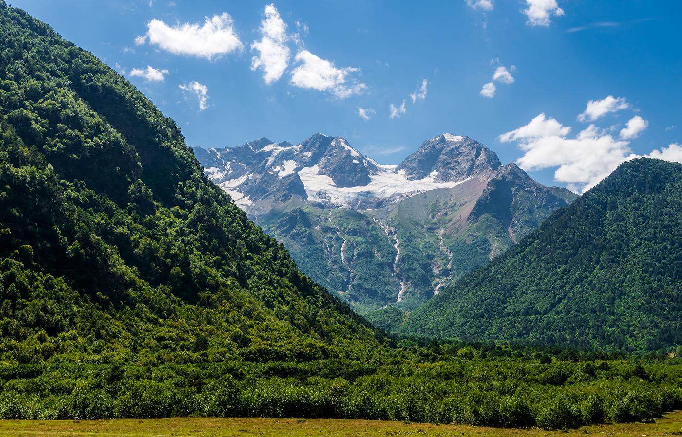 Пикник с вилом на горы