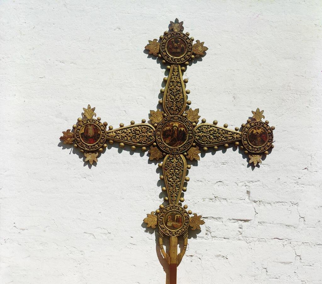 Запрестольный (выносной) крест из церкви Иоанна Златоуста