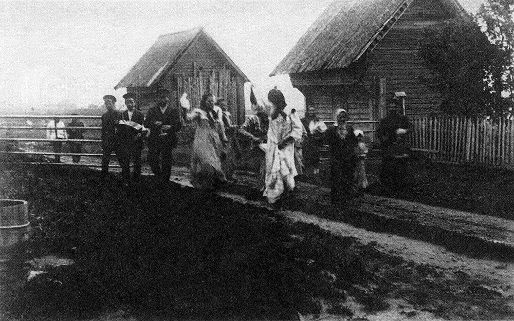 Гулянье в деревне. Север Европейской России.Начало ХХ в.