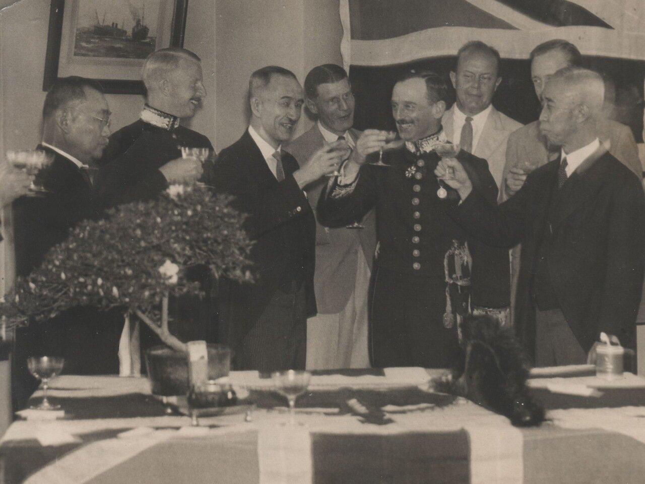 1931.  Освальд Уайт при полном параде