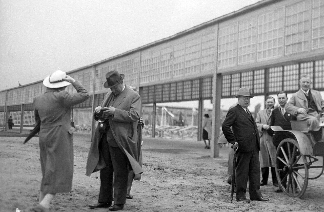1935. Берлин, торгово-выставочный центр рядом с башней радио