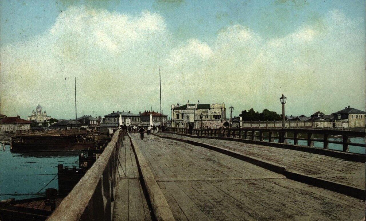 Понтонный мост через Ангару
