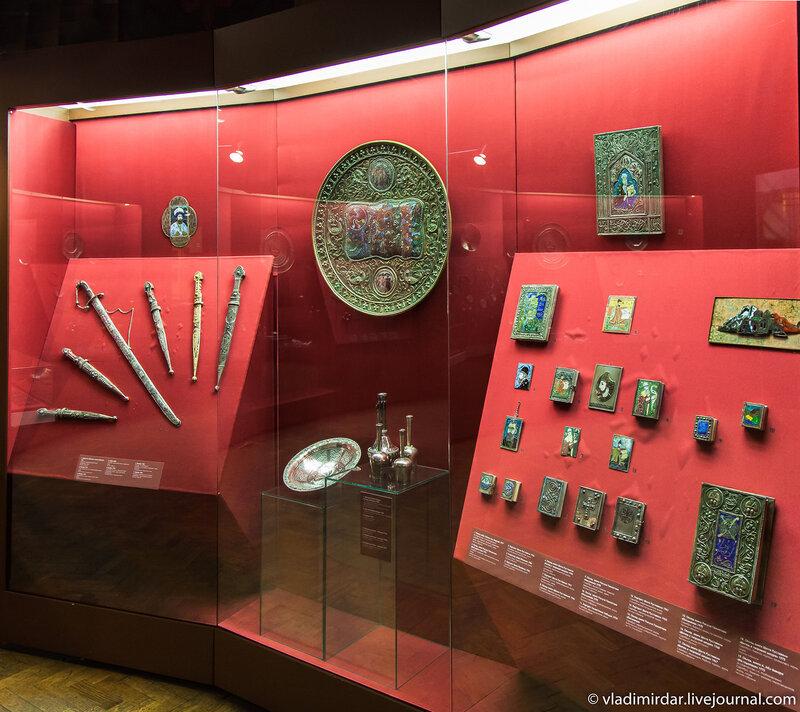 Выставка «Серебряная легенда Кавказа. Манаба Магомедова» в Мсторическом музее в Москве
