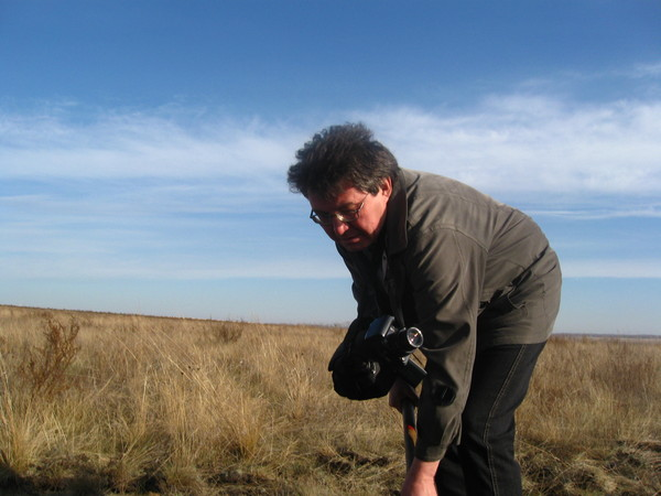 Научный руководитель проекта, историк Гаяз Самигулов за работой (26.06.2014)