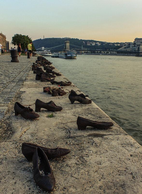 Памятник напоминает современника об опасности национализма