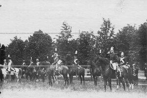 Группа конных офицеров полка в исторических формах в день празднования 250-летнего юбилея Конно-гренадерского полка .