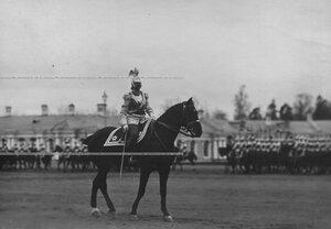 Командир полка генерал-майор барон Константин Маврикиевич Вольф с 1908-1912 гг. на параде полка.