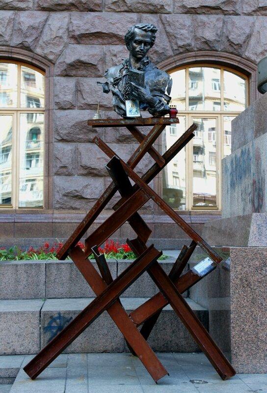 Памятник Тарасу Шевченко на Крещатике