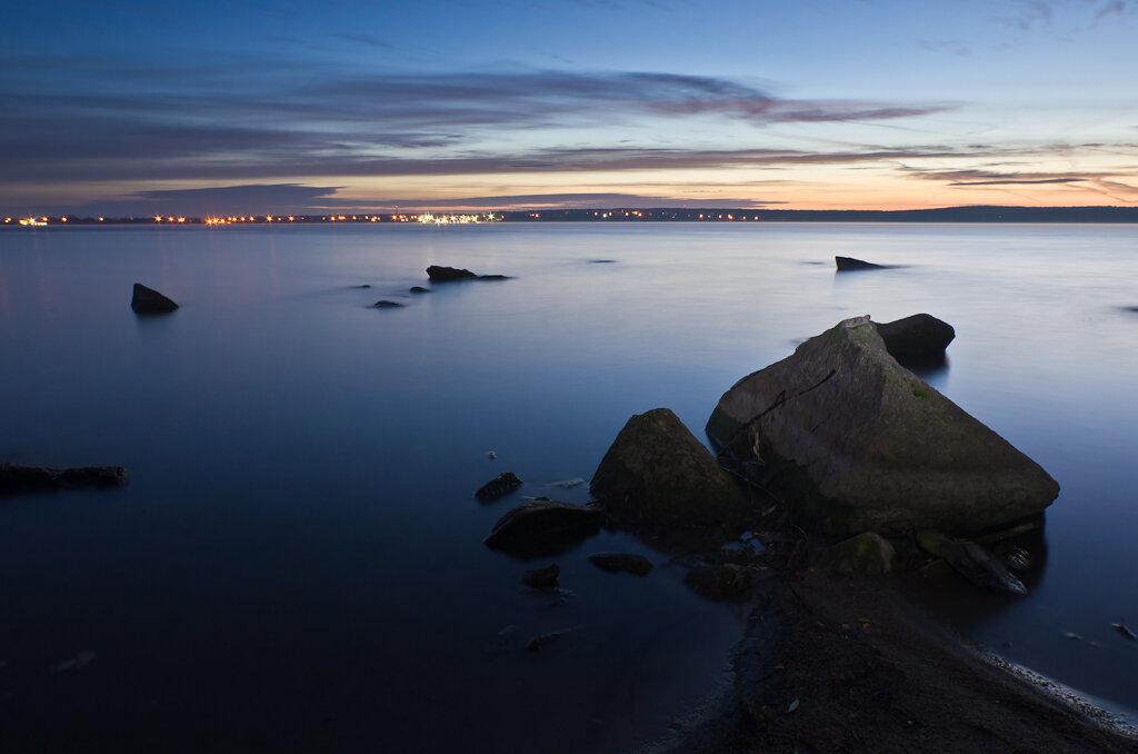 Подсветил передний камень фонариком. Снято на Samayng 14 + Nikon D5100