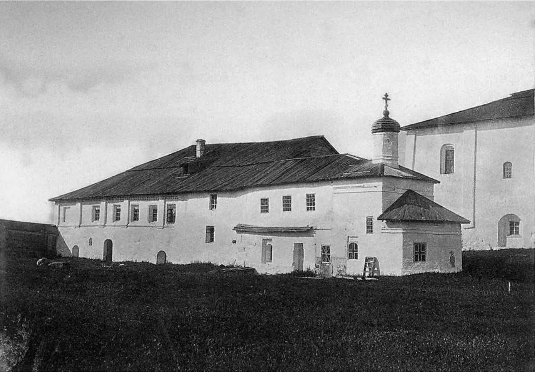 Окрестности Онеги. Кий-остров. Крестовая церковь патриарха Никона в Крестном монастыре