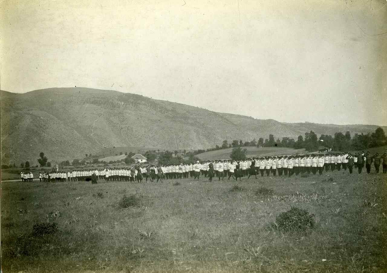 1924. Врангель посещает казаков на юге Сербии. Май