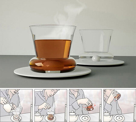 С такой чашкой вам не понадобится ложка. Керамический шарик на дне размешает сахар