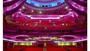 В лондонском театре во время спектакля обрушилась крыша