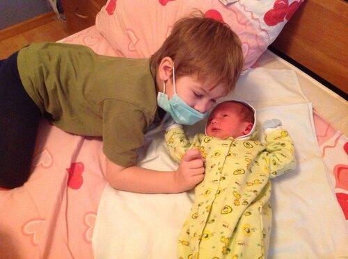 Слоник и младенц