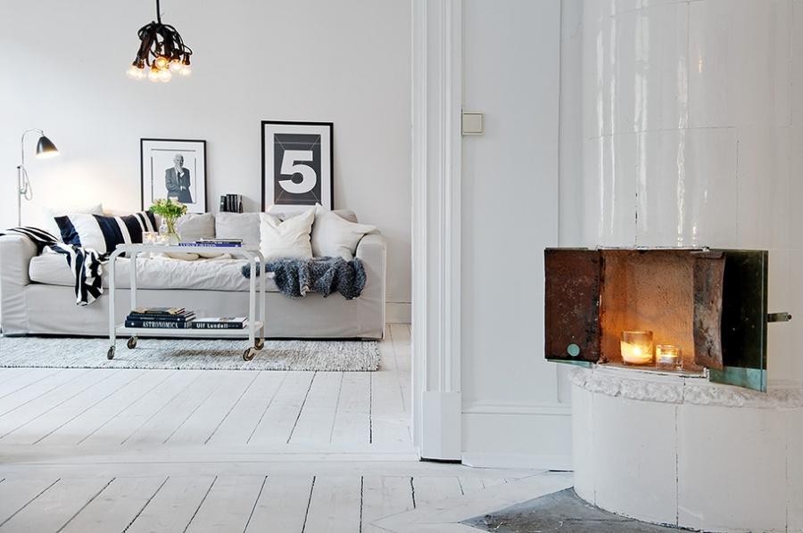 Постарайтесь выбрать максимально светлые обои, идеальный вариант— покрасить стены белым. Минимально
