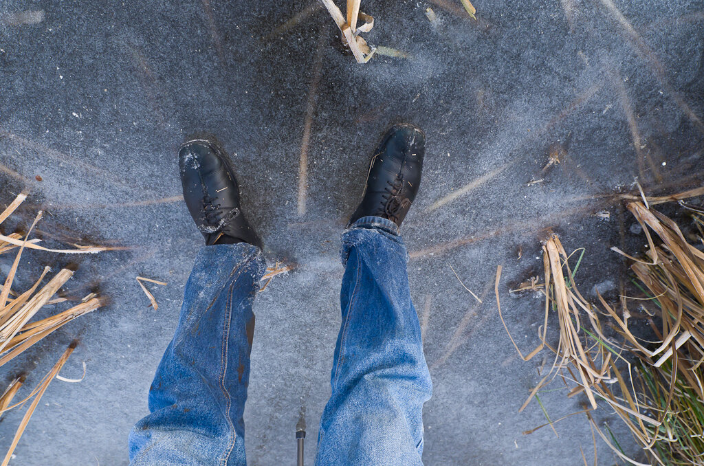 Вот так выглядят ваши мокрые ноги после купания в ледяной воде, когда вы их снимаете на суперширик Samyang 14/2.8. Фотоаппарат Nikon D5100.
