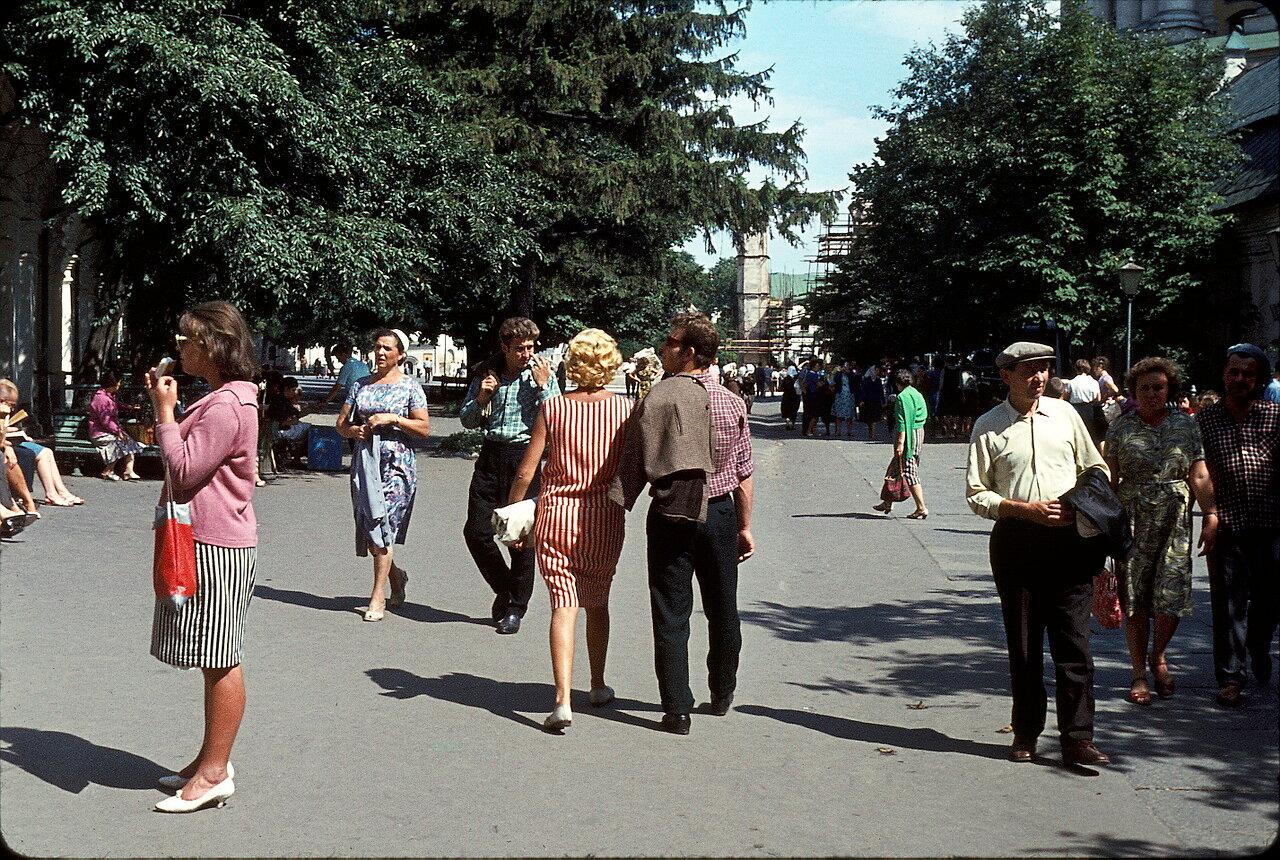 фото людей на улицах ссср результате