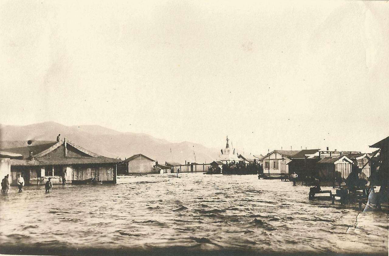 Наводнение. Молочный базар и ряды кузниц
