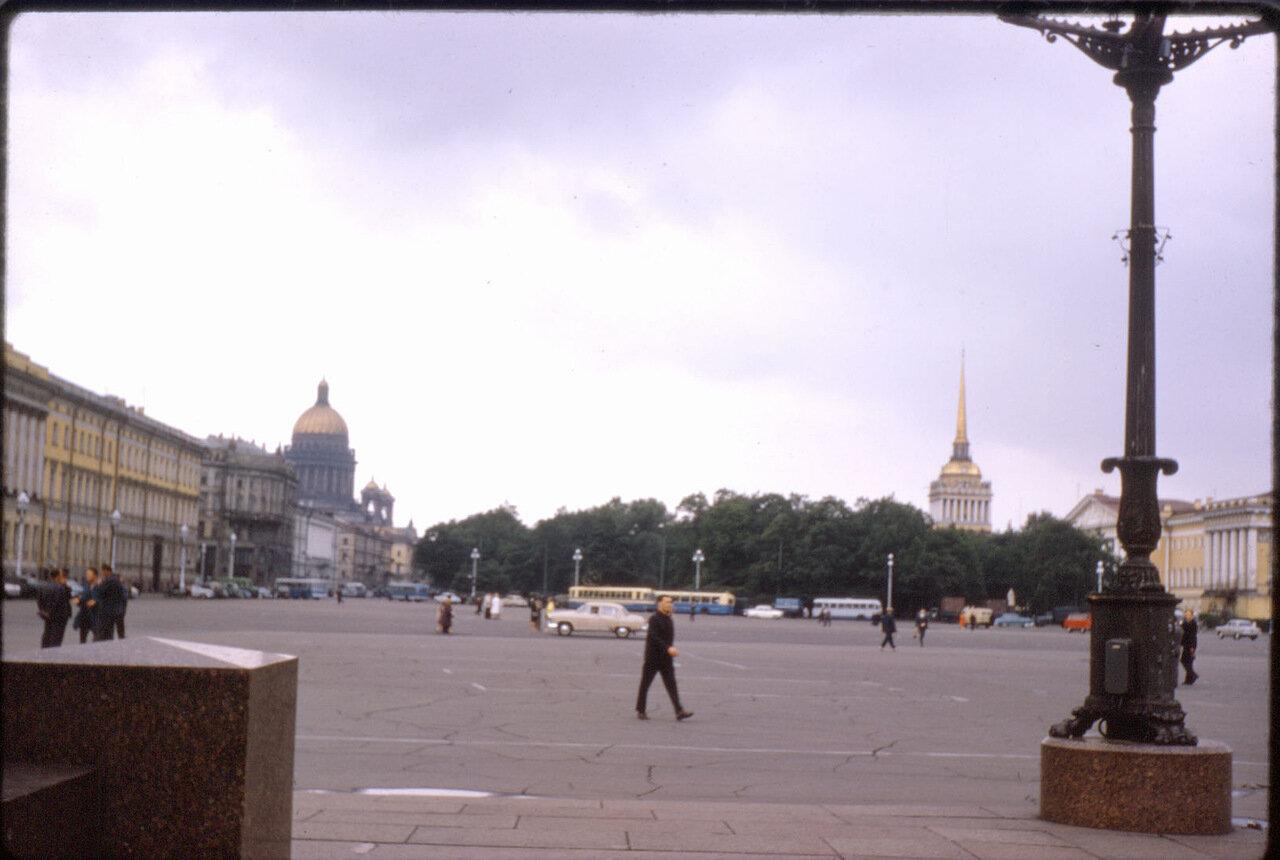 Сад Адмиралтейства и Дворцовая площадь