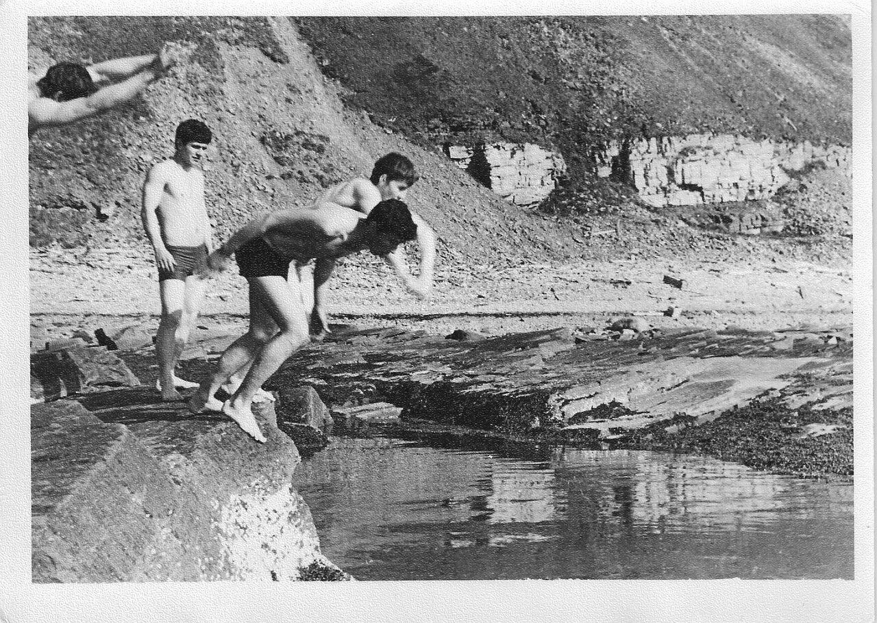 Купание в августе 1980г. мыс Бык.