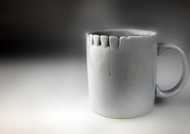 Зубастая чашка от дизайнера Megawing наверняка отпугнет того, кто решит покуситься на вашу собственность
