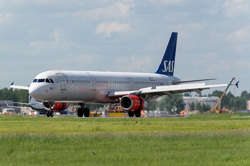 Airbus A321-232 (OY-KBB) SAS - Scandinavian Airlines D800891