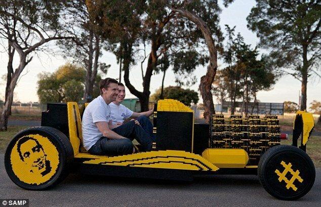 Предприниматель и гений-самоучка создали автомобиль из Lego (+ видео)