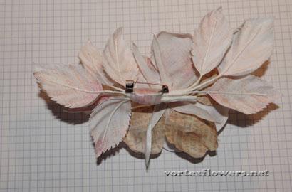 Роза из атласной ткани с бутоном по Козинкиной.