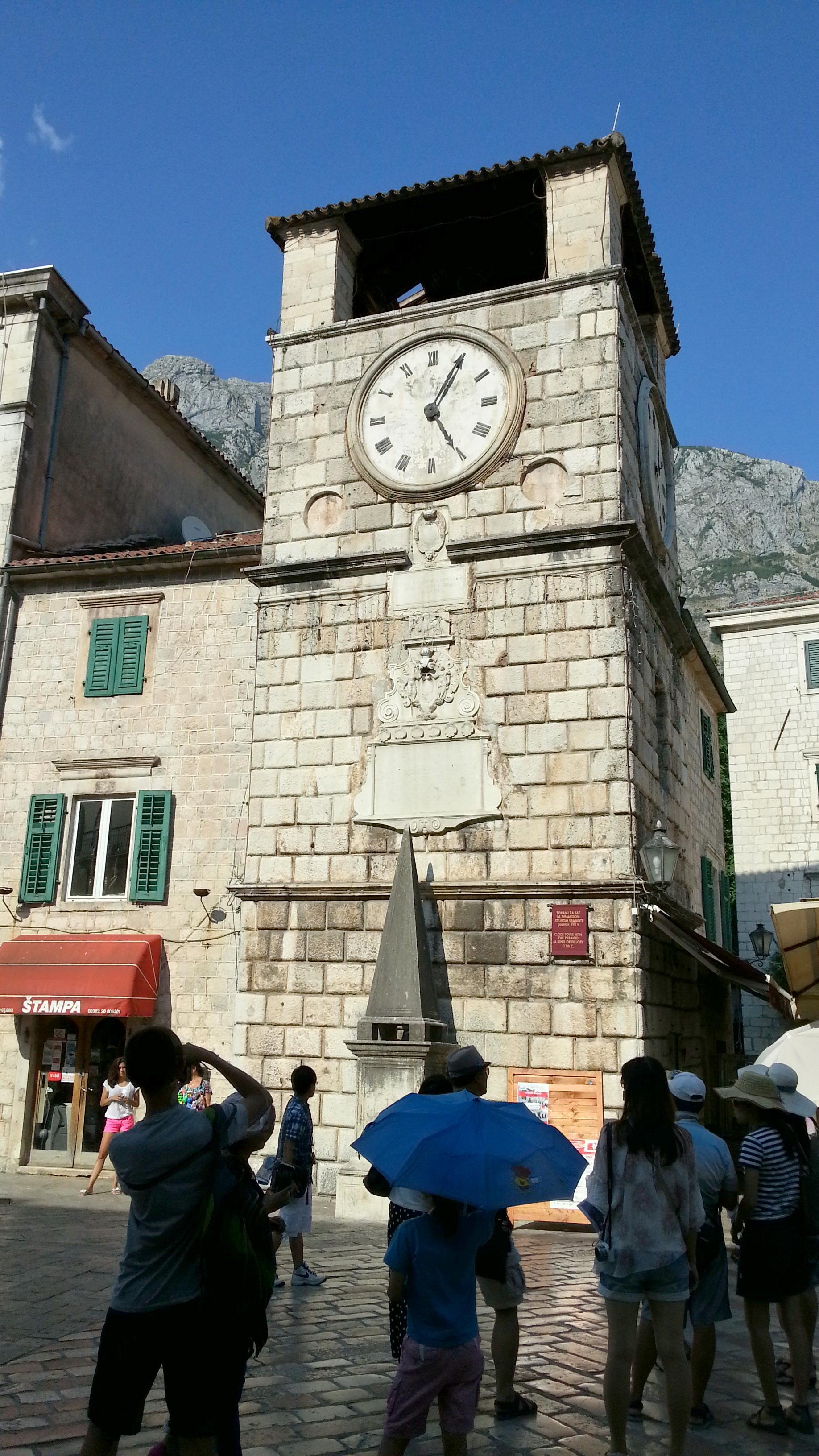 Часовая башня в г. Котор.