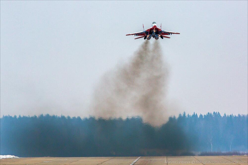 """Escuadrilla acrobatica """"Caballeros Rusos"""" 0_bb390_e9a18f3f_XXL"""