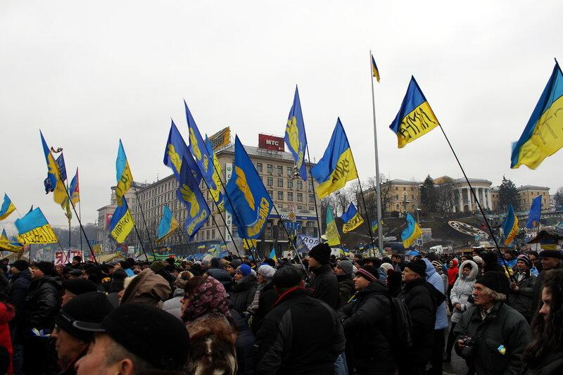Евромайдан через месяц после начала