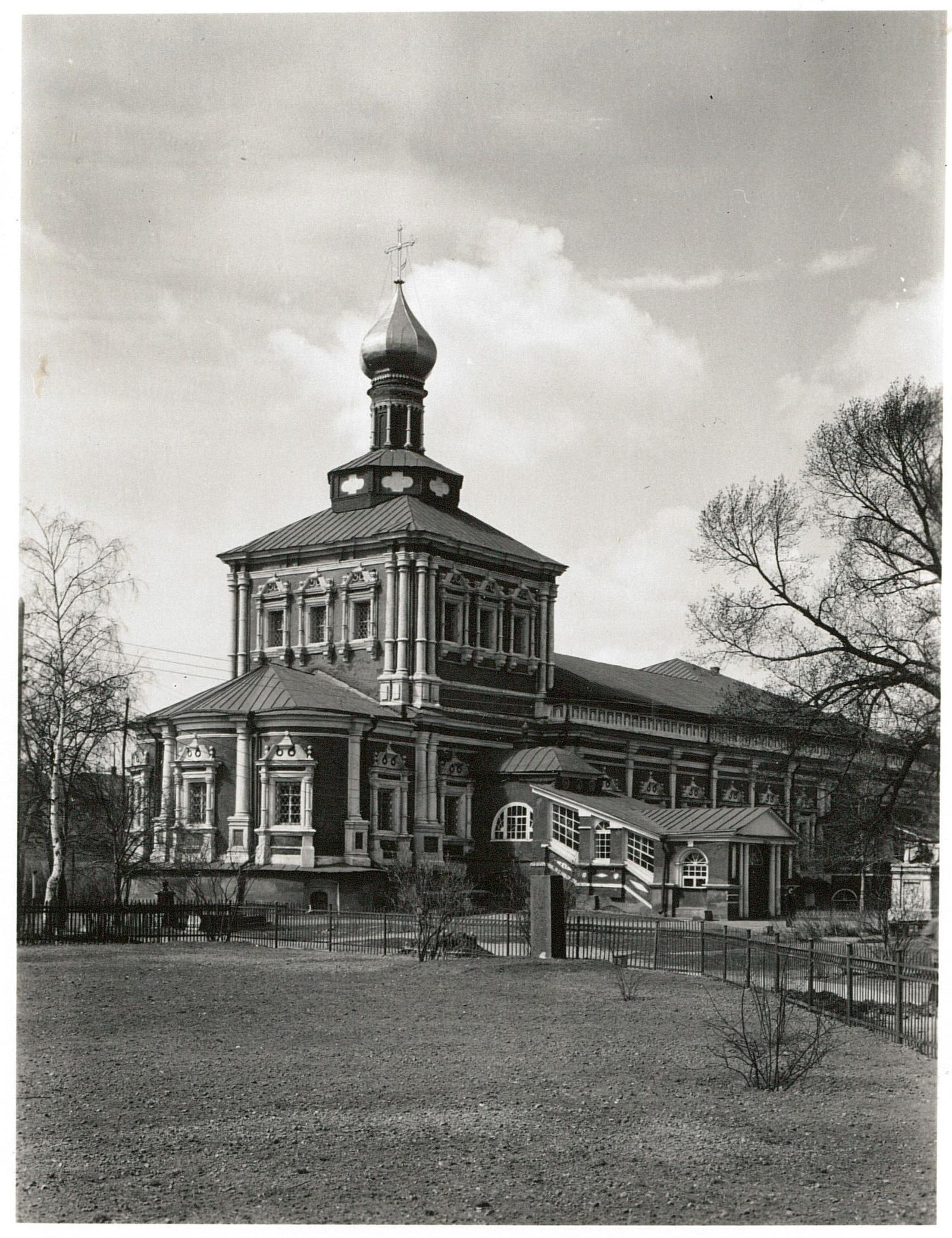 Новодевичий монастырь. Трапезная