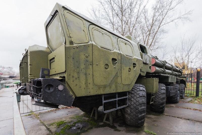 Реактивная система залпового огня (РСЗО) «Смерч» 9К58 калибра 300-мм