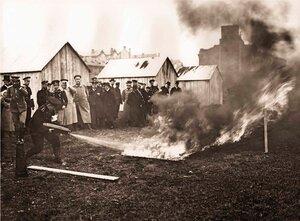 Испытание огнетушителей. 1909 г.