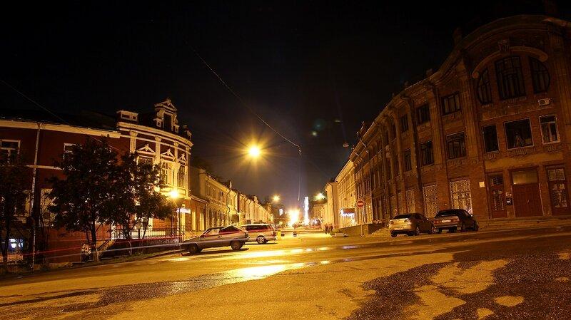 Ночной перекрёсток ул. Спасской (Дрелевского) и Казанской (Большевиков) IMG_7709