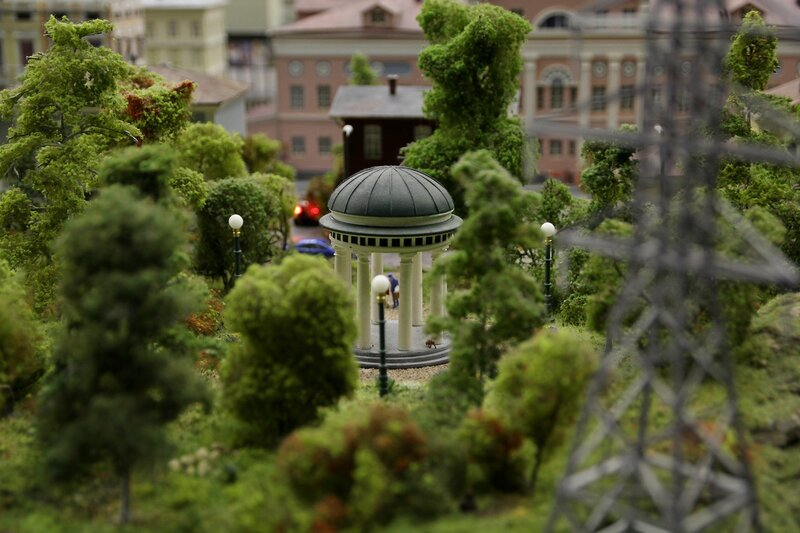 Гранд макет: ротонда в парке