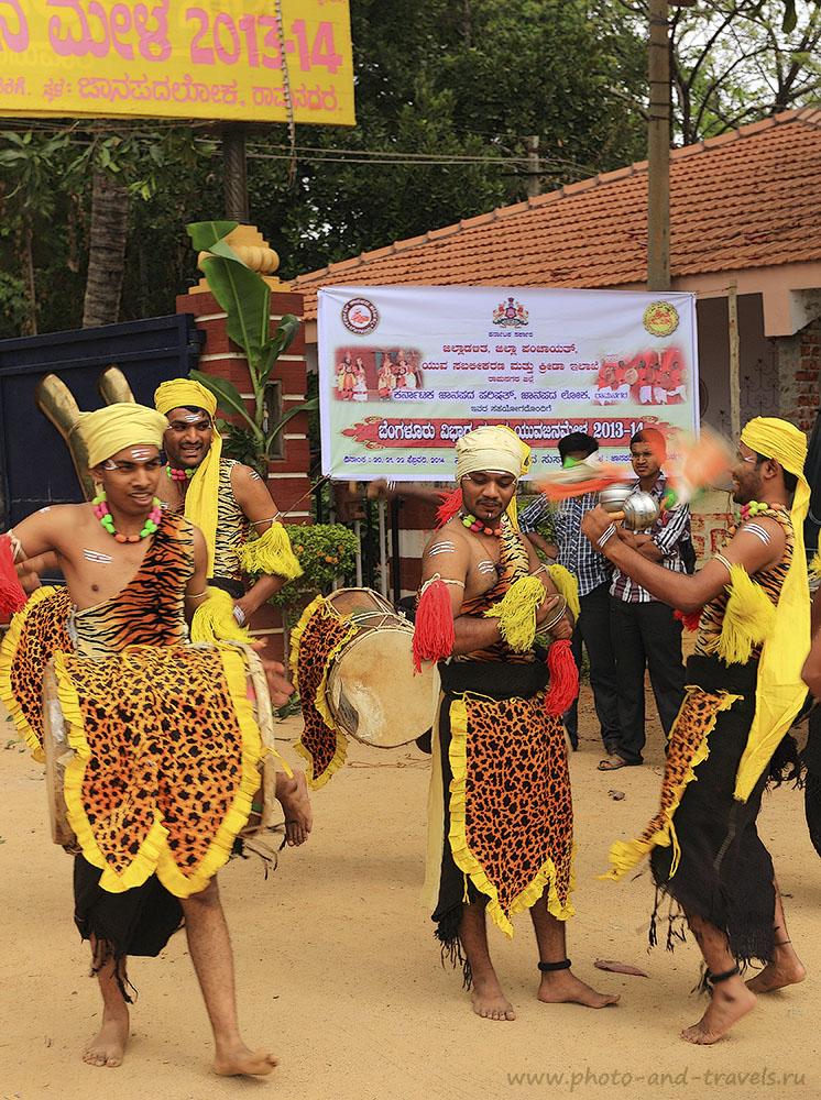 Фото 5. Поездка в Индию. Путешествие по Карнатаке. Цыганские танцоры. 1/80, -1, f/7.1, 100, 40