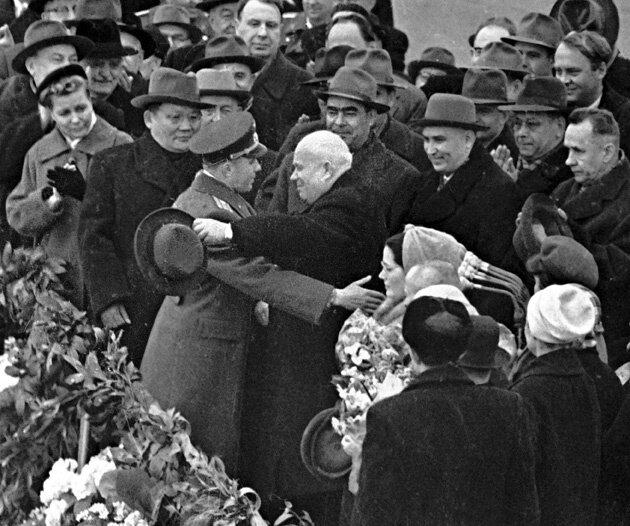 Встреча Гагарина и Хрущёва