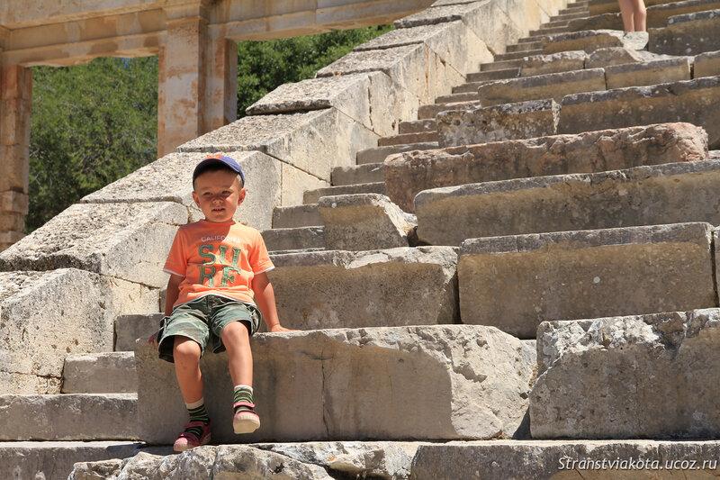 Пелопоннес, Театр в Эпидавре