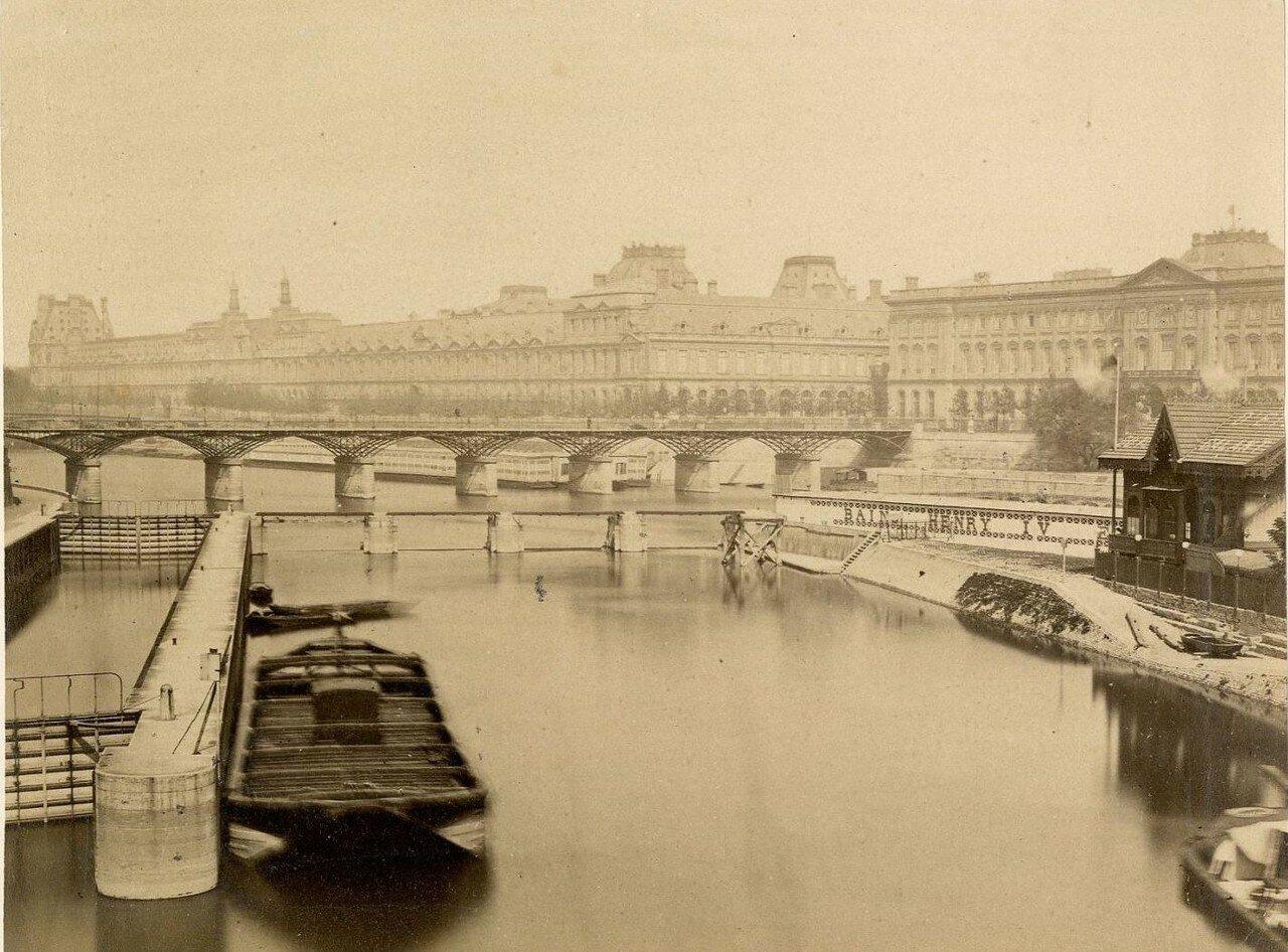 Вид на Мост Искусств от Нового моста