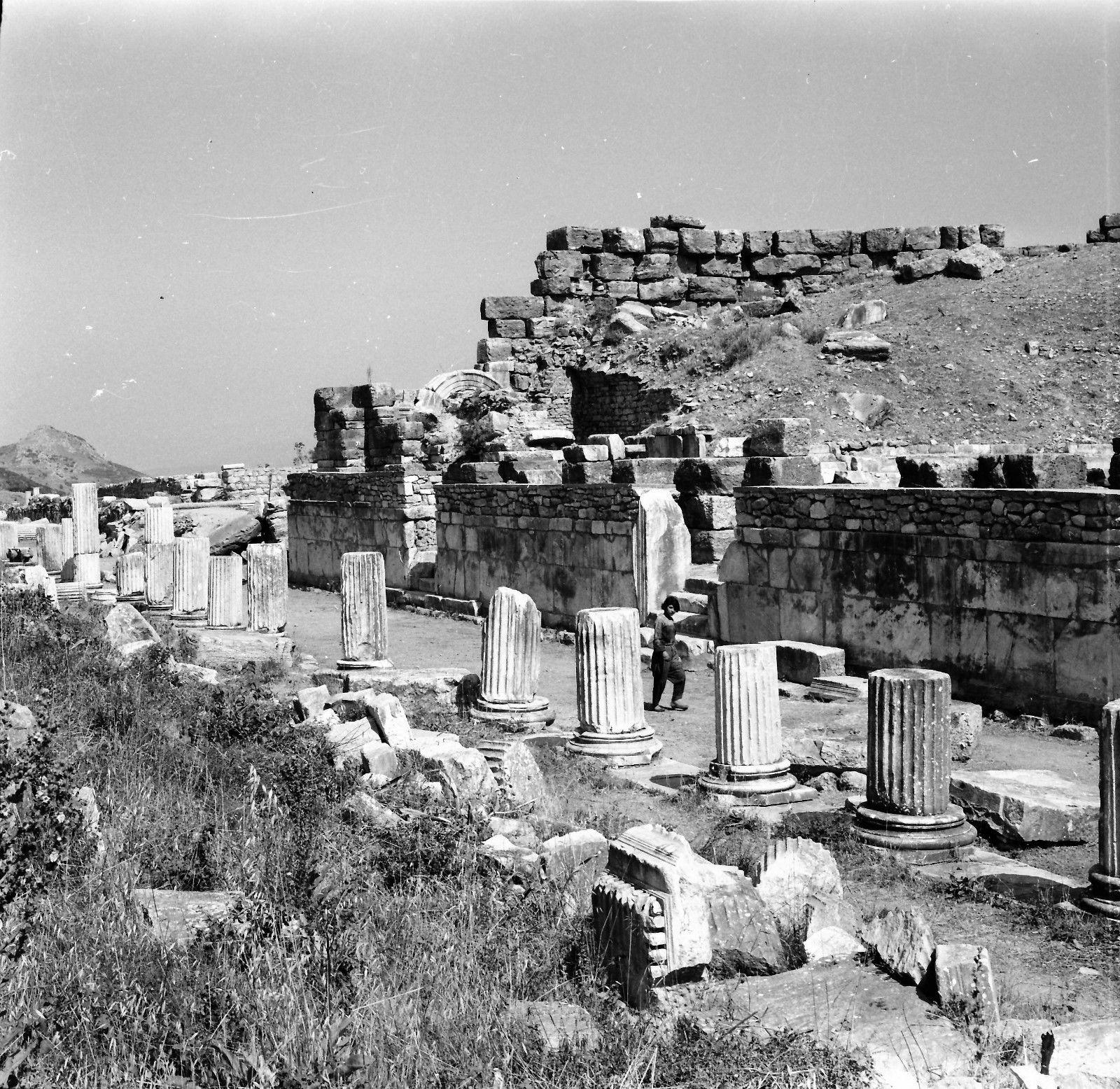 Эфес. Останки колонн