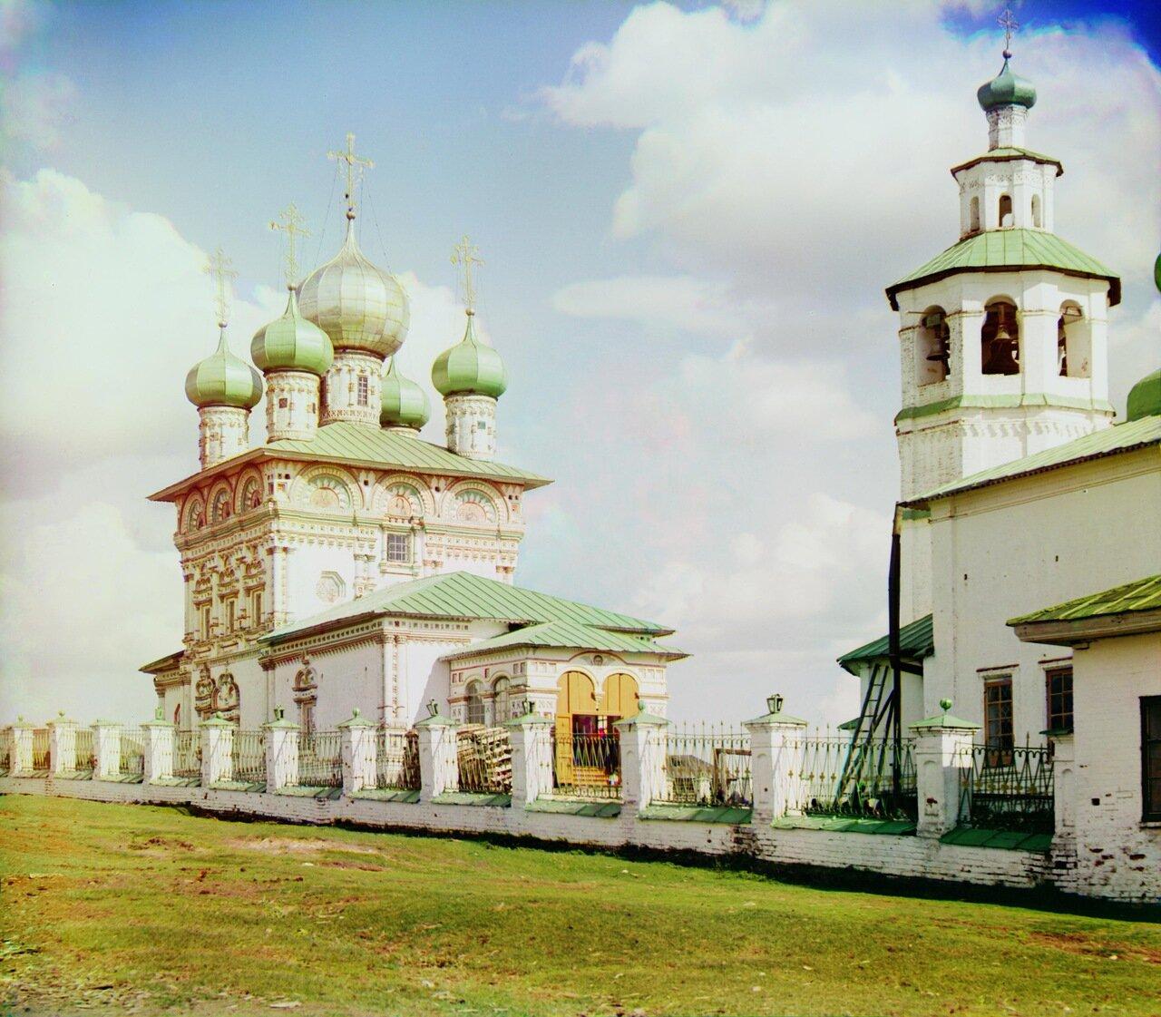 Старый храм во имя св. Николая Чудотворца с  запада.