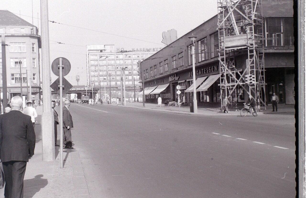 9 сентября 1959. Возле Александерплац, Восточный Берлин