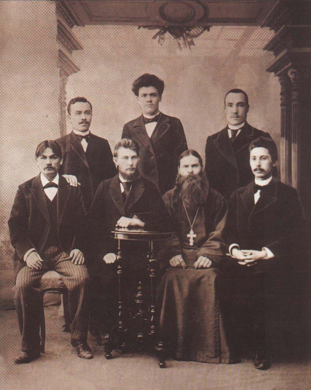 Группа преподавателей Симбирской чувашской учительской школы. 1899