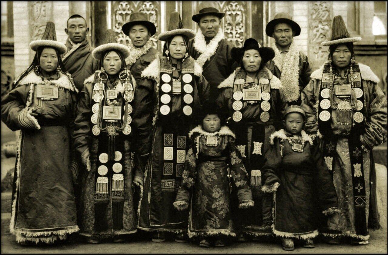 1944. Семья в Ланьчжоу