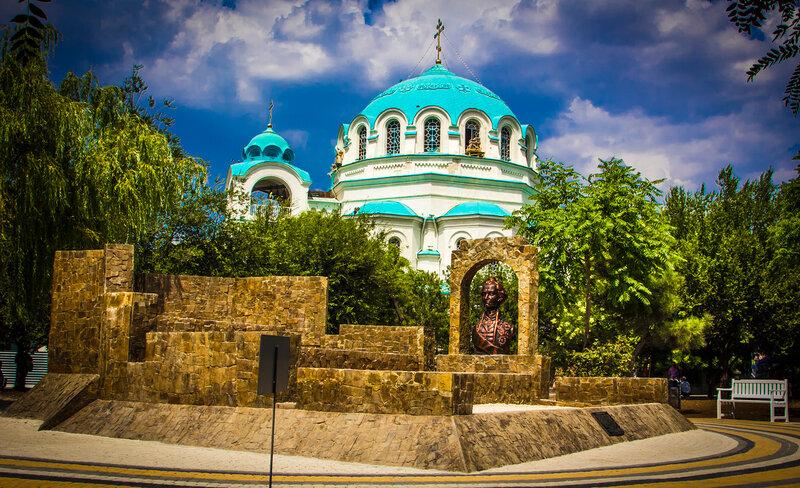 Суворовский редут и Свято-Николаевский собор