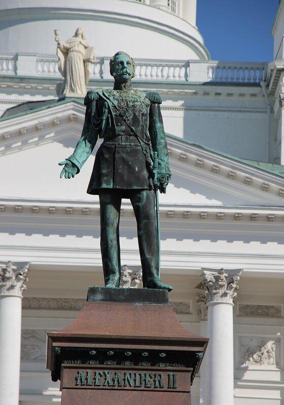 Helsinki Senate square. The monument to Alexander II